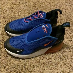 Nike air max missing one string